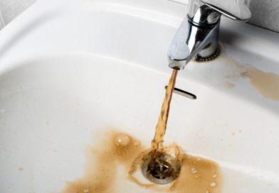 Мешканцям Оболоні не радять пити воду з крана